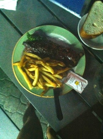 Snook Inn : ribs and fries