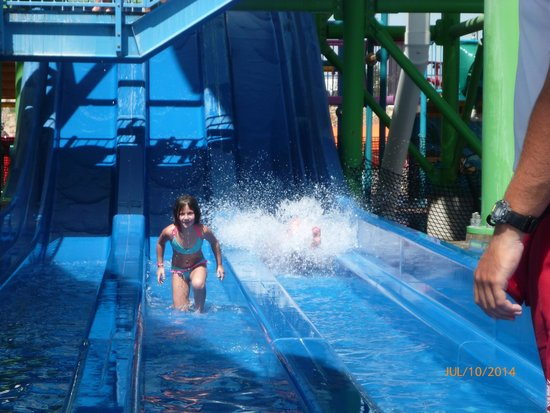 Hawaiian Falls Roanoke: kids slide