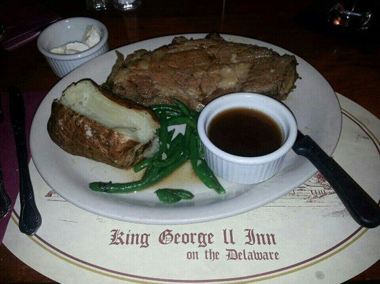 King George II Inn: Prime Rib