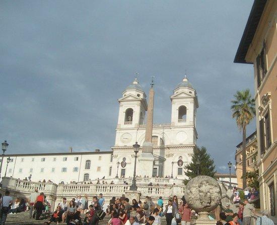 Place d'Espagne (Piazza di Spagna) : Spanish Steps