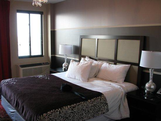 Hotel Vetiver: Large Room