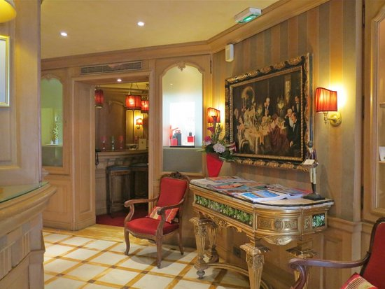 Chambiges Elysees Hotel : Hotel foyer