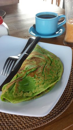 Hibiscus Cottages: Pandan Pancakes filled with local bananas, coconut and palm sugar :)