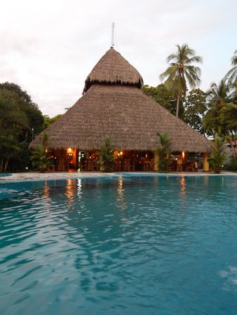 Clandestino Beach Resort: Restaurant/Bar/Lobby viewed from pool