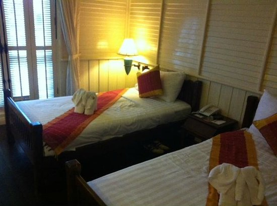 Buddy Lodge Hotel : bed