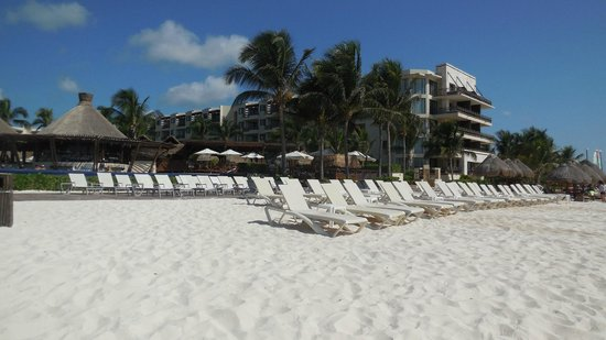 Dreams Riviera Cancun Resort & Spa: Beach