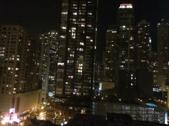 ACME Hotel Company Chicago: Rm 1402 night shot from living room