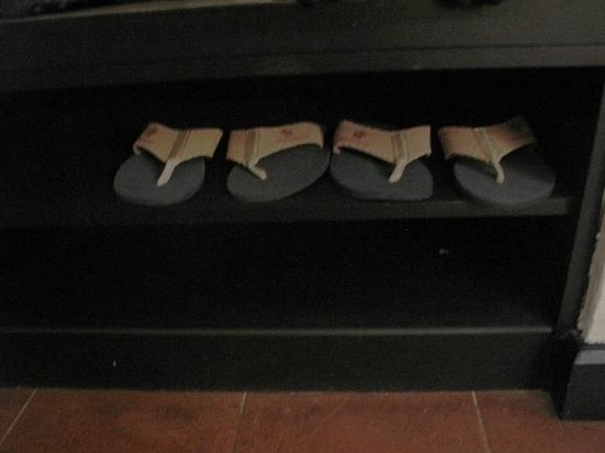Swiss-Garden Beach Resort Kuantan: room slippers - 2pairs (though the room is meant for 4paxs)