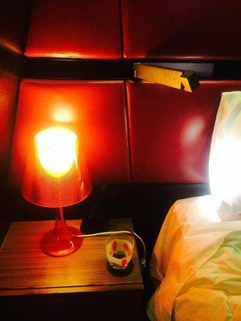 QT Sydney : Bedside