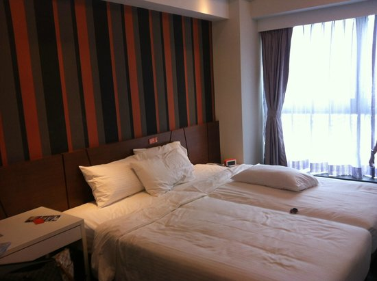 Le Prabelle Hotel: Bedroom - We combined the 2 single beds