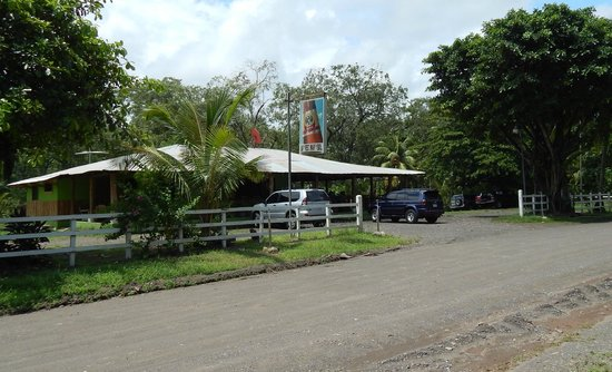 Mar y Sol: On the road fro Parrita to Paleo Seco Beach