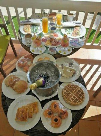 Barcelo Bavaro Beach - Adults Only : Romantic Breakfast