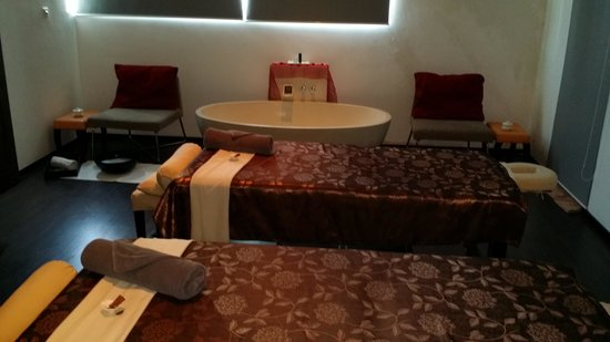 Pullman Kuching: Nice couple spa room
