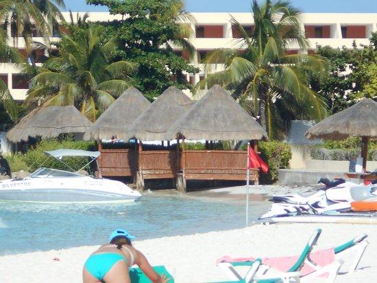 Grand Fiesta Americana Coral Beach Cancun: Day at the beach