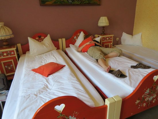 Casa Saseasca : Quaint rooms