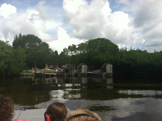 Jungle Erv's Everglades Airboat Tours: pier
