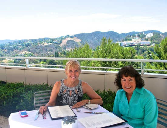 Getty Center Restaurant: The beautiful scenery and we don't mean us!