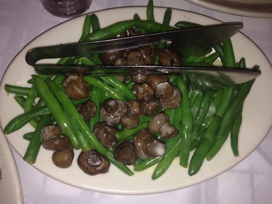 Gibsons Bar & Steakhouse: Delightful green beans