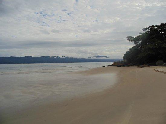 Jurere Internacional: Praia calma e limpída