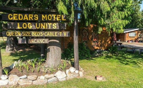 The Cedars Paradise Motel : Entrance