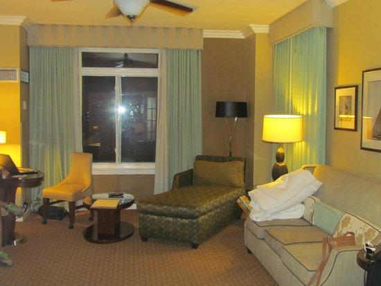 The Georgian Hotel : SIgnature Suite