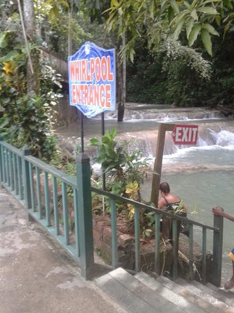Dunn's River Falls and Park: Gorgeous
