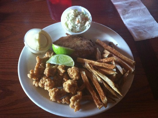 Everglades Seafood Depot: Gator and crab cake