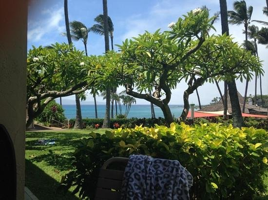 Napili Shores Maui by Outrigger : From our Lanai we could see the beautiful ocean and the Gazebo.