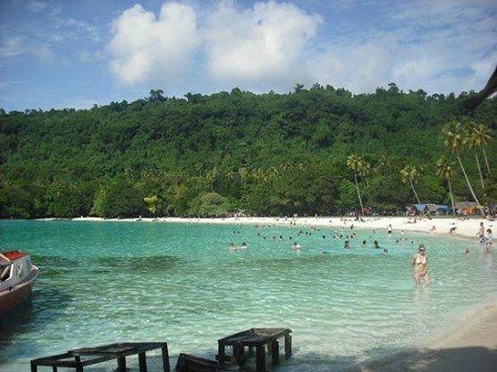 Champagne Beach: A Praia