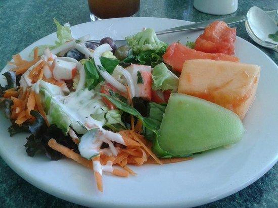 Plaza Pelicanos Club Beach Resort: De la barra de ensaladas del bufet