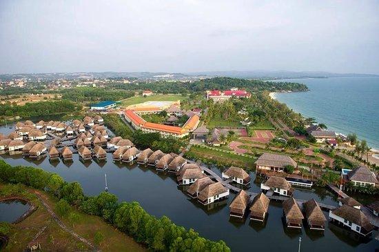 Sokha Beach Resort : Hotel compound