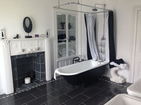 Glenavon House: Lindsay Suite bathroom