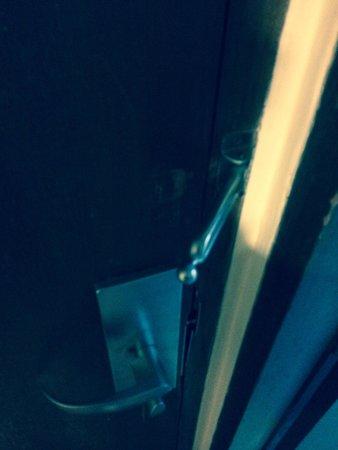The Santosa Villas & Resort: Too bad if you want to lock your door