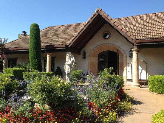 Villagio Inn and Spa: Hotel entrance