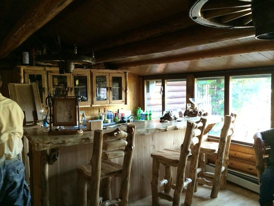 The Historic UXU Ranch: Bar