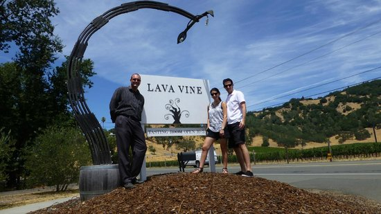 Jewels Wine Drivers - Tours : Lava