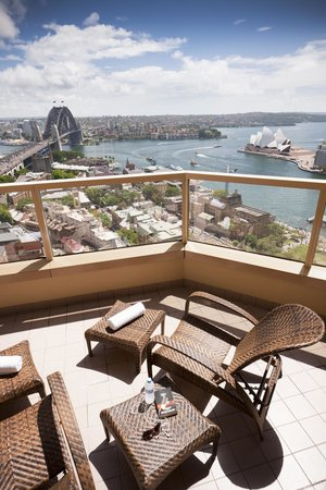 Quay West Suites Sydney : Recreational Deck