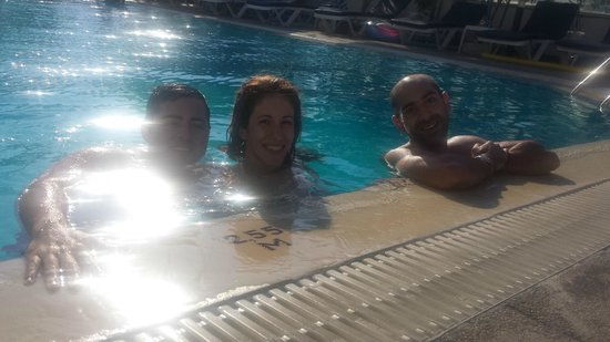 Rodos Sun: Pool with Friends