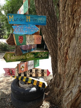 The Coffee Spot : Sign by tree
