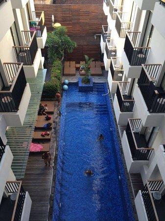 PING Hotel Seminyak Bali: Piscine