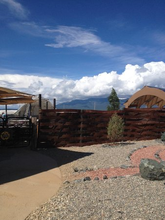 Taos Mesa Brewing: Outdoor entrance