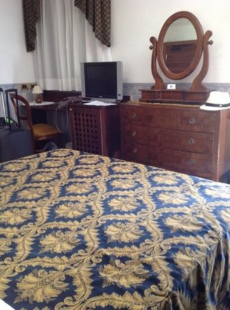 Hotel Ala - Historical Places of Italy: romantic room