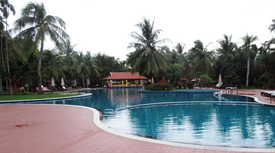 Sofitel Angkor Phokeethra Golf and Spa Resort: Pool