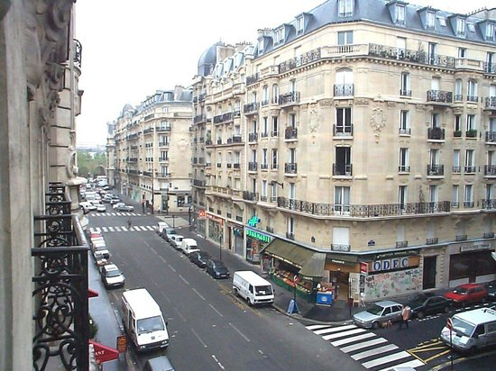 Hotel Lyon Bastille : view from the balcony