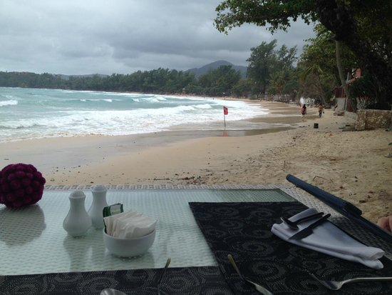 The Boathouse Phuket: Breakfast beside the beach