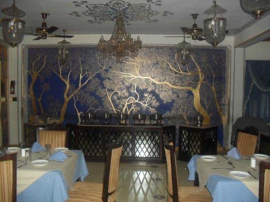 Umaid Bhawan Heritage House Hotel: Dining