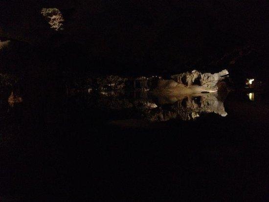 Cenote Aktun chen: inside the cave