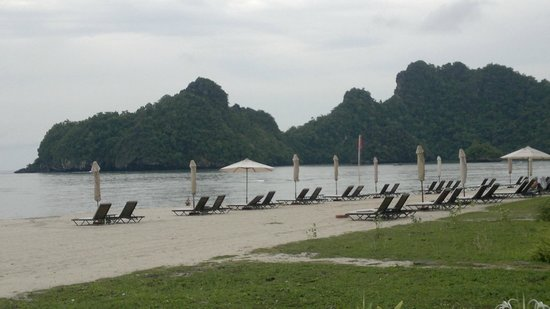 Tanjung Rhu Resort: Beach area