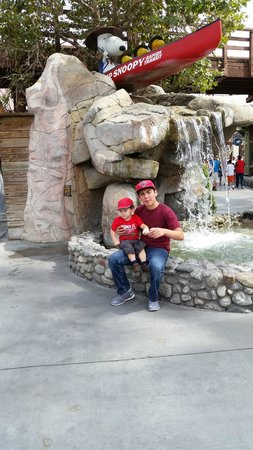 Knott's Berry Farm Hotel: Getting started at Camp Snoopy