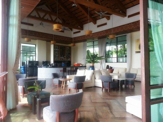 KC Resort & Over Water Villas : The lounge area, well-ventilated and relaxing